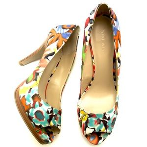 Beautiful Floral Nine West Peep Toe Heels -Sz 7.5